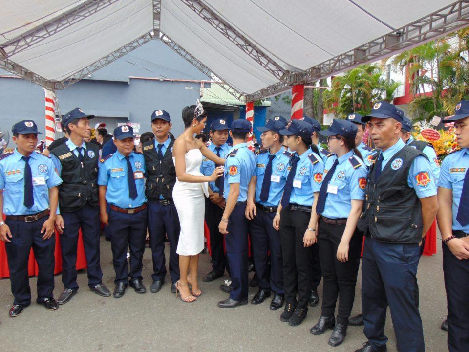 Dịch vụ bảo vệ nữ giới